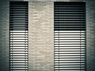 window-1232371_1920_Pixabay.jpg