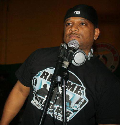 djdj on the mic.jpg