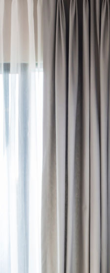 GJ Decor raamdecoratie Brugge Knokke duo-gordijnen jaloezieën zonneweringen shutters duo