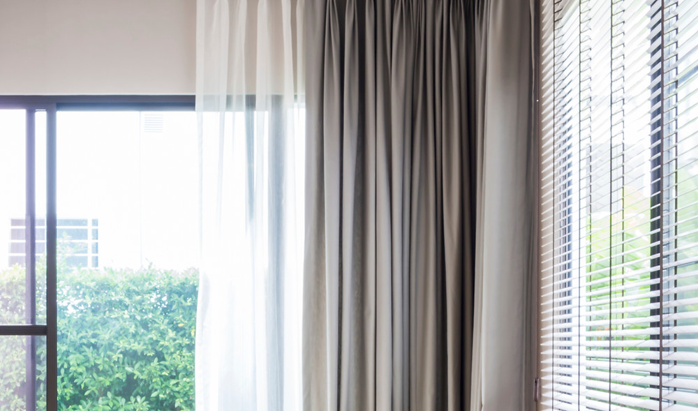 Curtains and home stagging