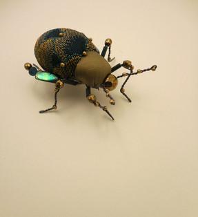 petit scararbé or et bleu