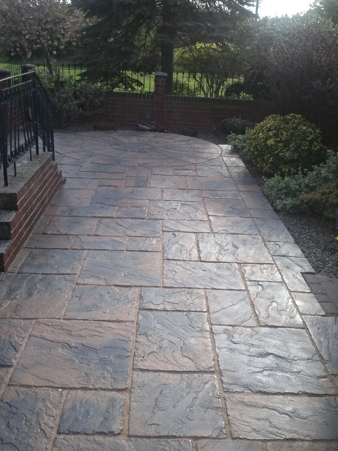 Patio cleaning & sealing service