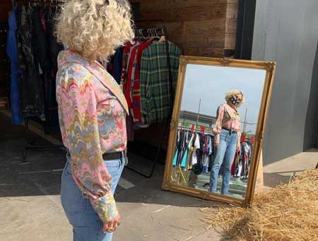 How to Find Vendors For Your Vintage Swap Meet or Pop-Up Shop
