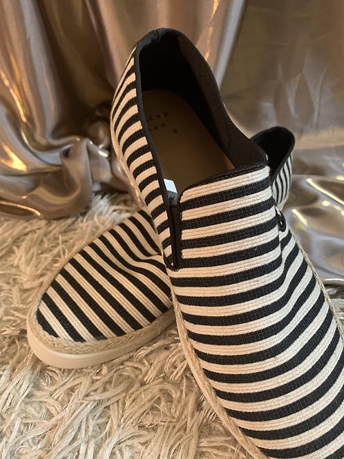 B/W Striped Boat Shoe - Size 9