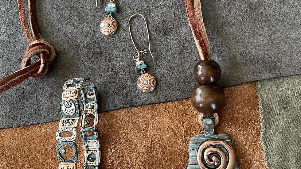 Patina Wood Necklace Set