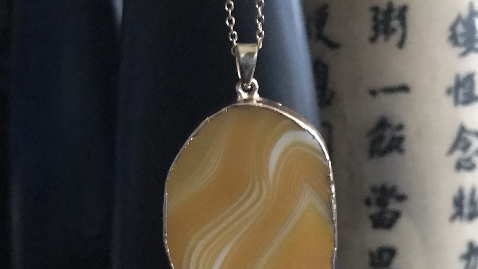 Simply Yellow Agate Stone Necklace