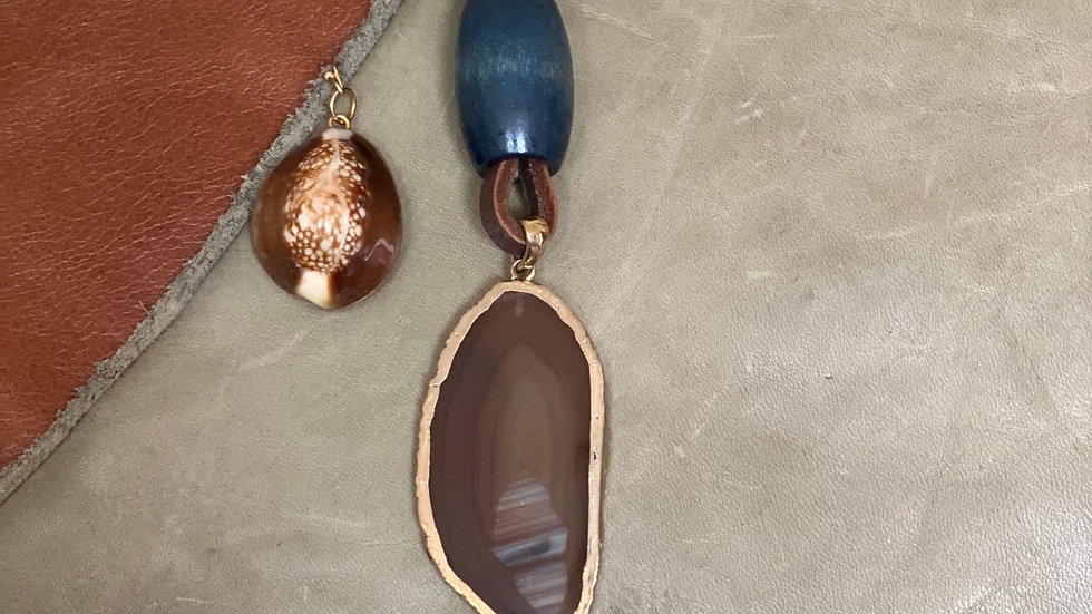 Brownish Agate Leather Necklace Set
