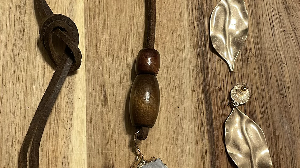 White Agate Stone Necklace Set