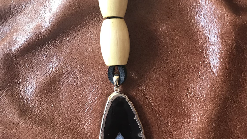 Blackstone Leather Agate Necklace