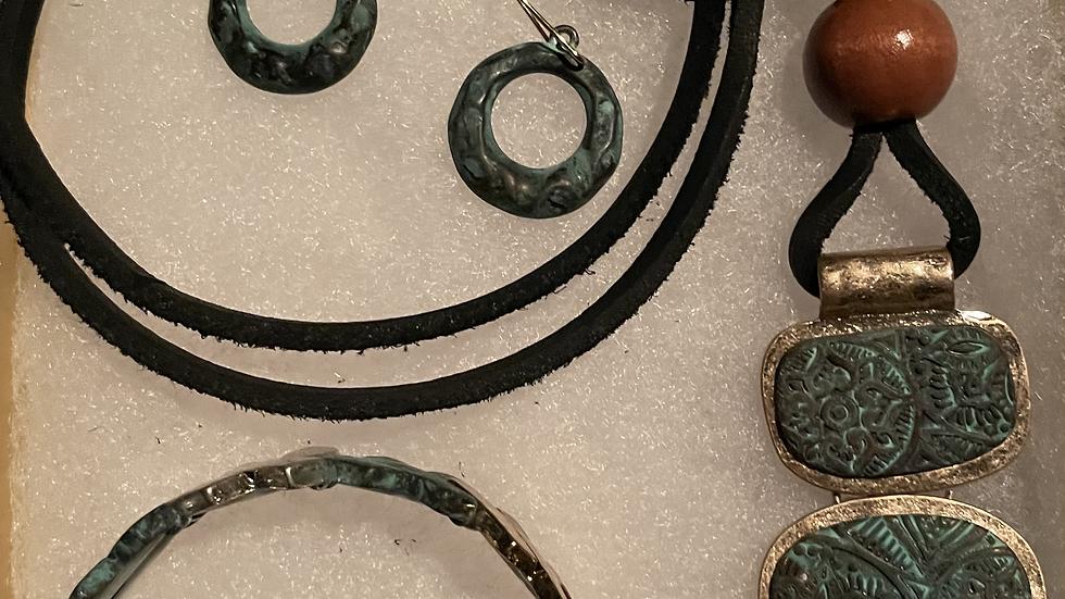 Patina Colored Lightweight Metal Necklace Box Set