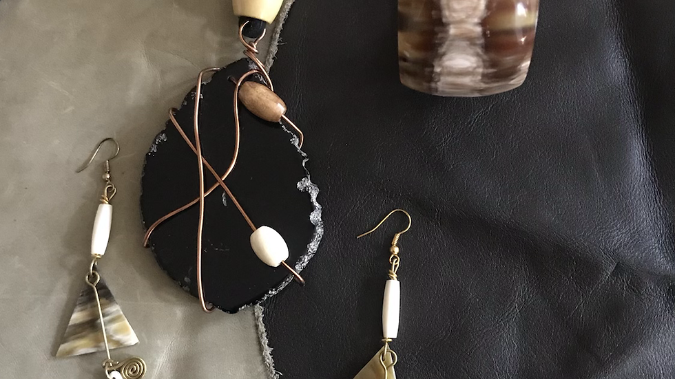 Blackstone Agate Leather Necklace Set