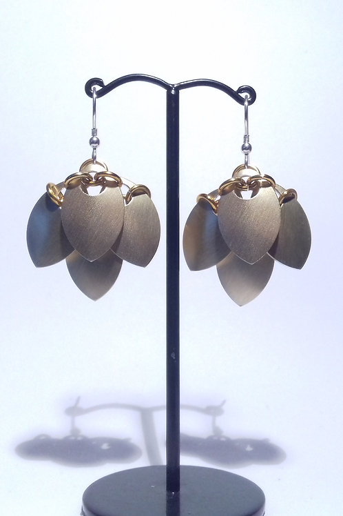 Golden Scalemaille Earrings