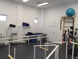 Rehabilitación en Carmasalud, Calle Julián Camarillo 59, 28037 Madrid. Fisioterapia, consultas médicas, rehabilitación, ecografía, podología, psicología y pilates. CARMASALUD