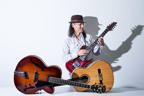 福岡のギタリスト・白水マサキ。福岡でギター教室やギターレッスンを探しているなら「白水ギター教室」へ。春日市、大野城市、那珂川市、太宰府市、筑紫野市などへの出張レッスンも好評です。子供のギターレッスンも受け付けています。演奏依頼や出張演奏も受付。