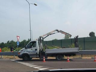Dopo lo #SpazzaTour del M5S... la Provincia pulisce la tangenziale