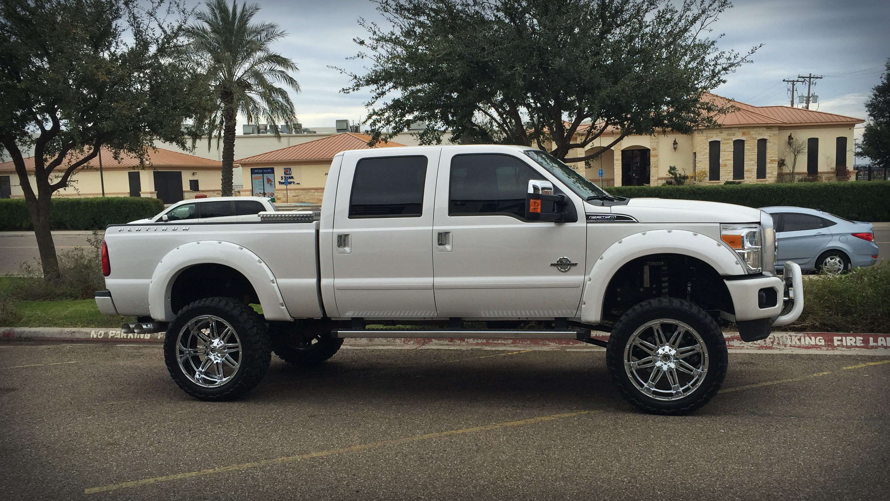 15 F250 8 Fabtech Coilover 38x1350x24 on 24x12 Fuel Hostages