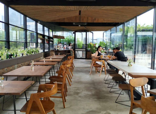Egghotel is a Cool Restaurant yet Ambivalent Cooking