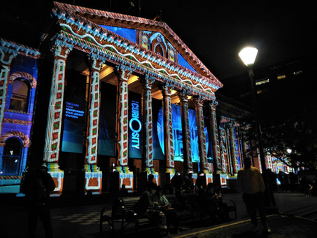 Melbourne: Christmas Faces of State Library of Victoria