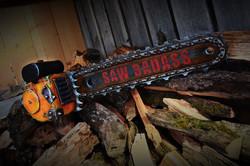 Tronçonneuse-Chainsaw-badass-post-apo-GN