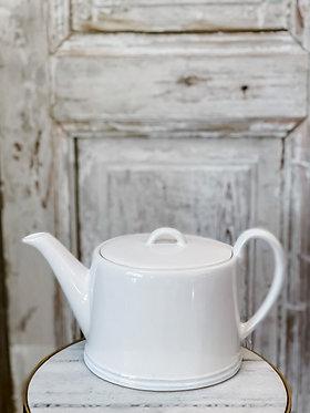 Clos du Manoir Tea Pot
