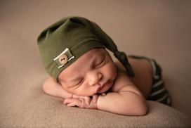 Gandy Newborn-43.png