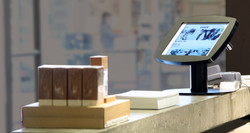 Tablet counter stand