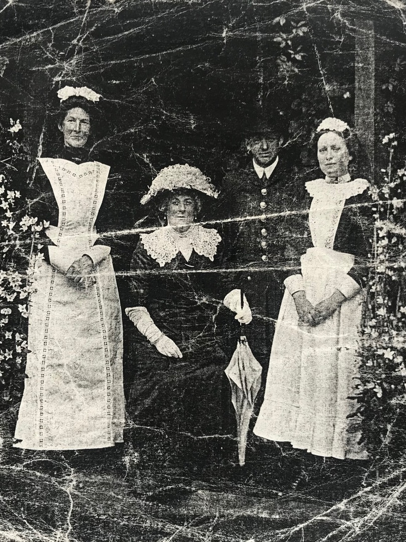 04 Fred Brown and maids - cropped.jpg