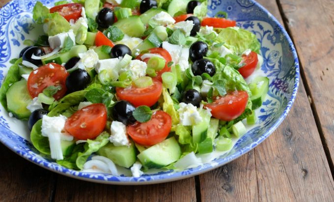 Greek Salad (4 servings)