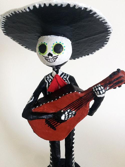 Mariachi con guitarrón