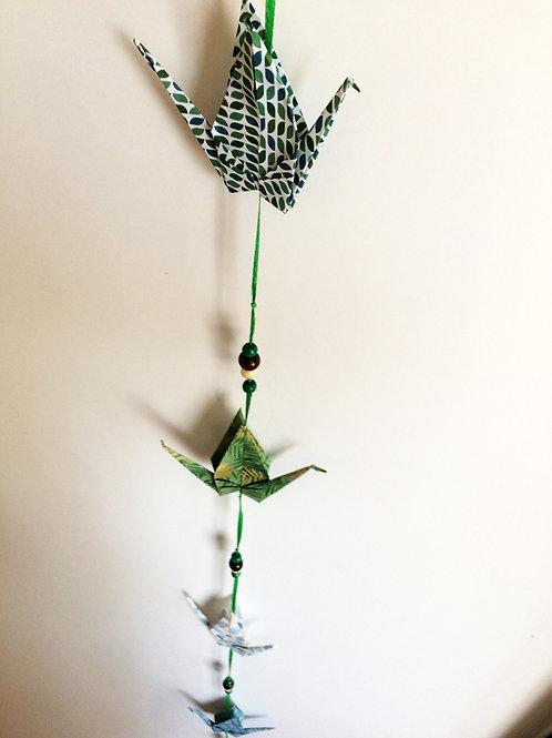 Colgante grullas verdes