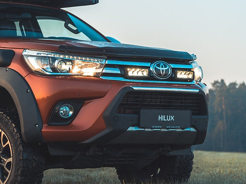 TOYOTA HILUX (2015+) GRILLE KIT