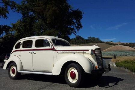 Prewar american Car on tour at a winery