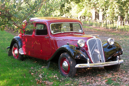 Pretty French classic car for hire