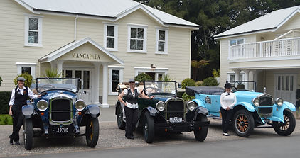 Vintage cars with female drivers outside Mangapapa Hotel