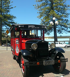 Little Red Bus Tours around Napier NZ
