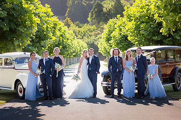 Great wedding photos with art deco cars in napier