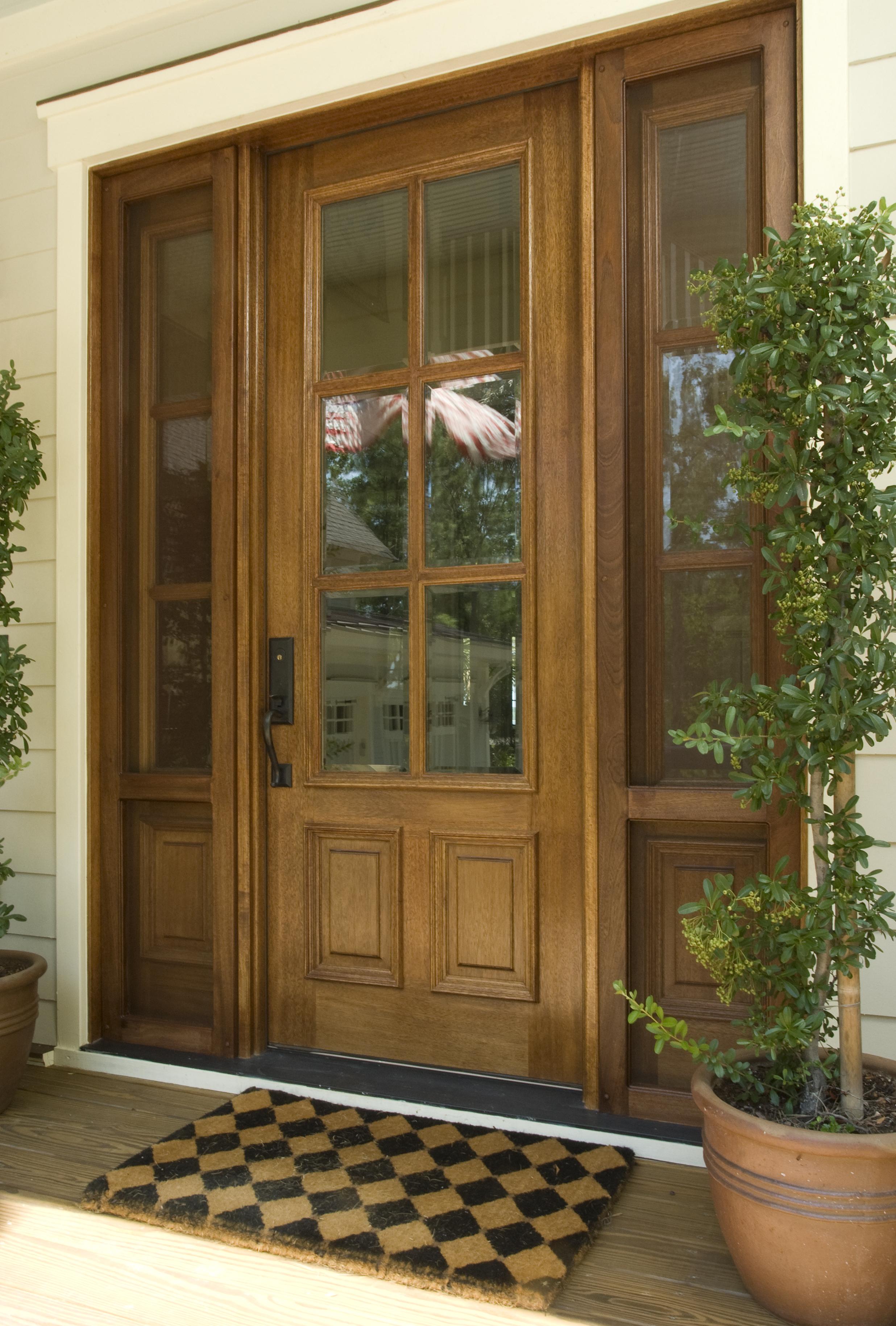 Levy-Door02