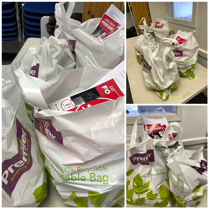 CCG FOOD PARCELS BAGS READY TO COLLECT! BUSY DAY TODAY! 😁👌