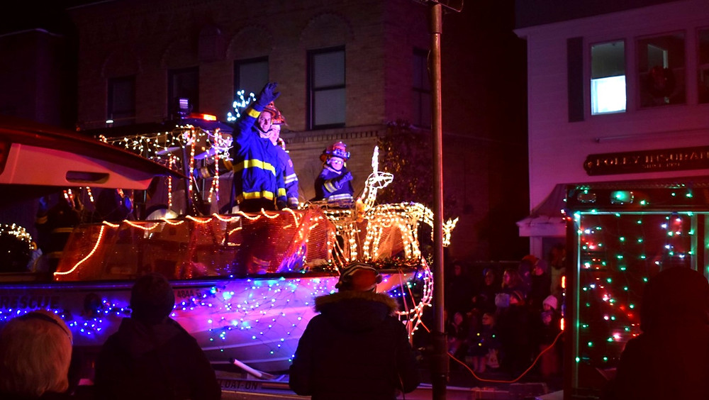 theres-still-hope-for-a-webster-holiday-parade