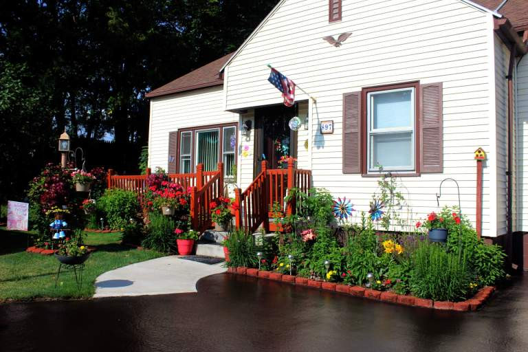 webster-on-the-web-a-beautiful-floral-welcome-to-our-village