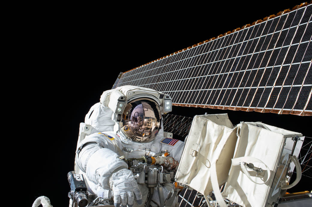 space-station-solar