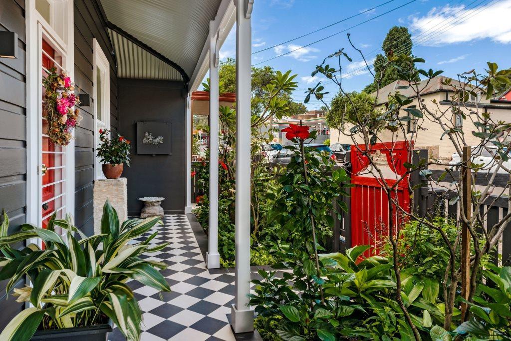 Front verandah/patio