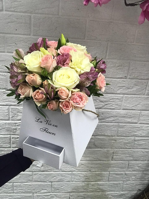 Цветы в коробке|Город Цветов| Москва и Московская область|Цветы в Бурцего
