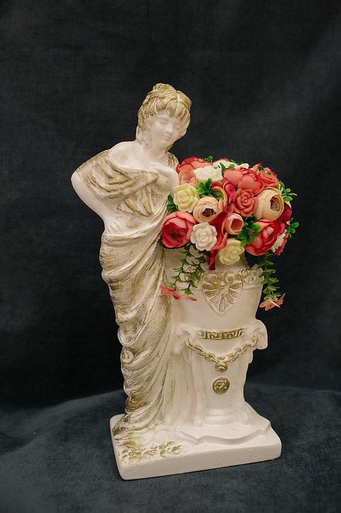 Античная Богиня