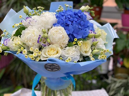 Букет цветов Город Цветов Гортензии RadaFlowers  Цветы в Коммунарке Цветы в Бунинские Луга Доставка цветов в Переделкино
