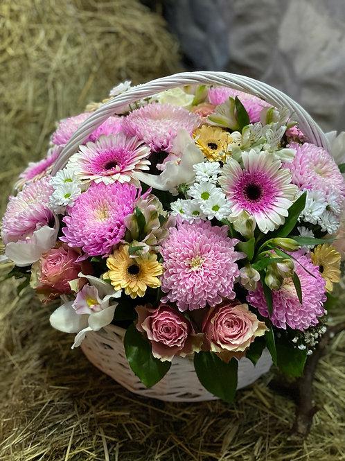 Цветы Доставка Город Цветов  Москва и Московская область Корзина с цветами