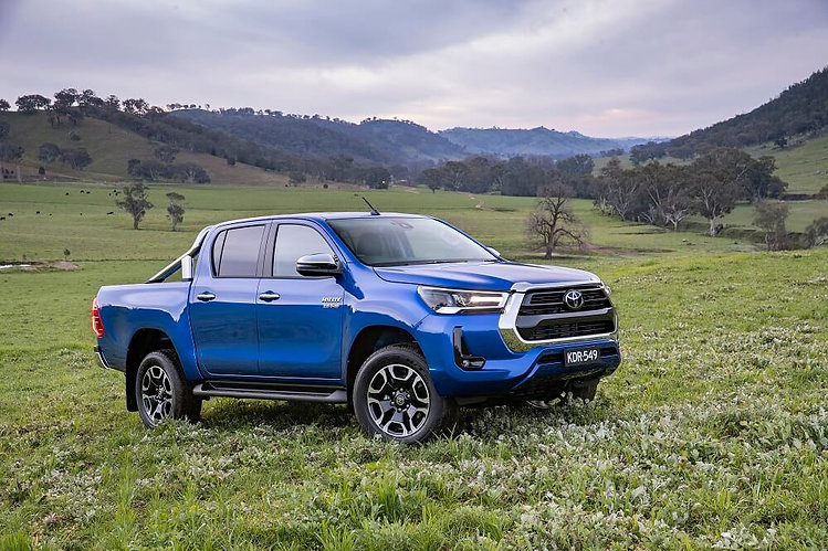 2020 Toyota HiLux SR5 6767.jpg