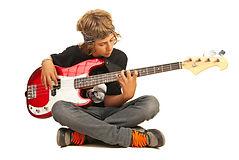 jeune-bassiste.jpg