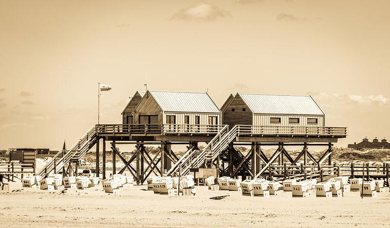 Das schwarze Haus bei SPO - Kiten und Surfen an der Nordsee