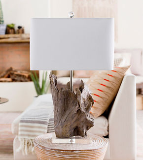 driftwood lamp.jpg